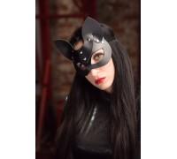 Черная маска с ушками из натуральной