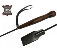 Черный стек с деревянной рукояткой