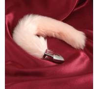 Небольшая анальная втулка с нежно-розовым хвостом