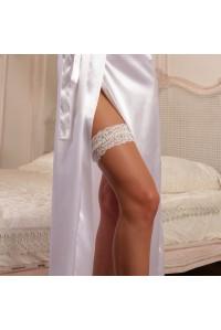 Кружевная свадебная подвязка с жемчугом